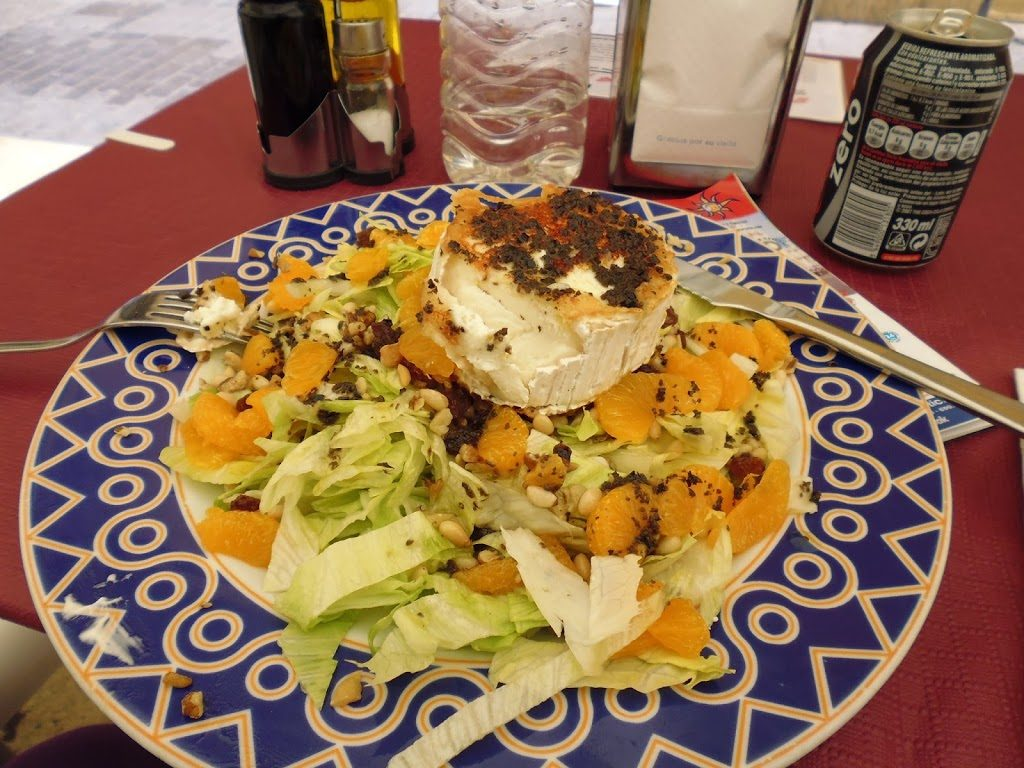 Goat's cheese & mandarin salad