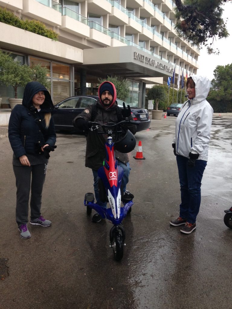 Learning how to use the Scooterise trikke, in the rain!