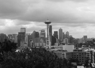 A view of the Space Needle and downtown Seattle from Kerry Park. Beautiful!
